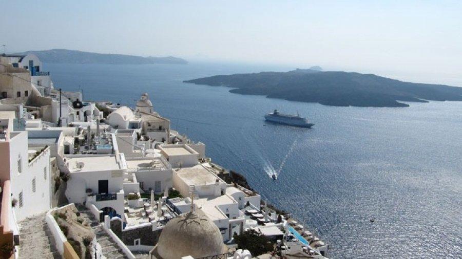 Τουρισμός: Παγκόσμια εύσημα στην Ελλάδα – «Μπορεί να αποτελέσει σημείο αναφοράς και για άλλες χώρες»